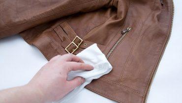Cách bảo quản áo da thật tại nhà đơn giản