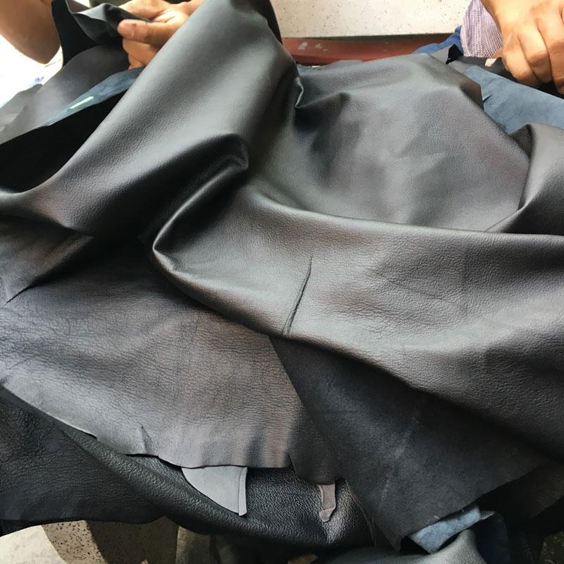 Ưu điểm và những điều cần lưu ý khi đặt may áo da thật theo yêu cầu