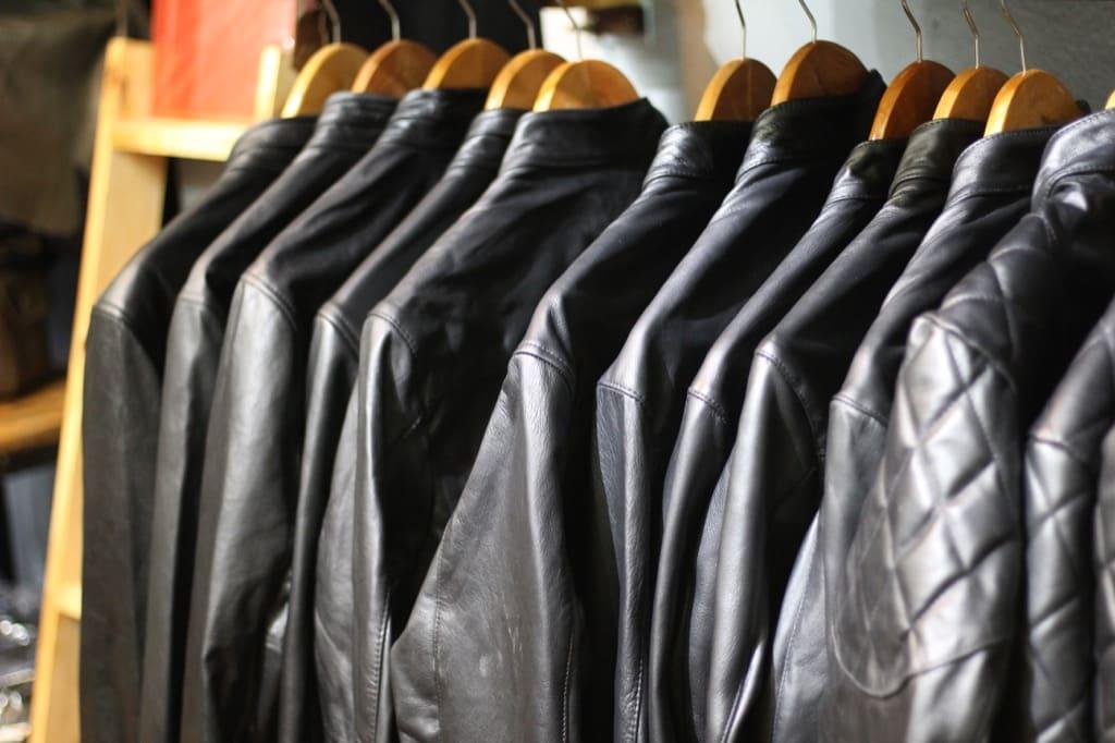 Những mẫu áo da nam khoẻ khoắn năng động cho bạn trẻ